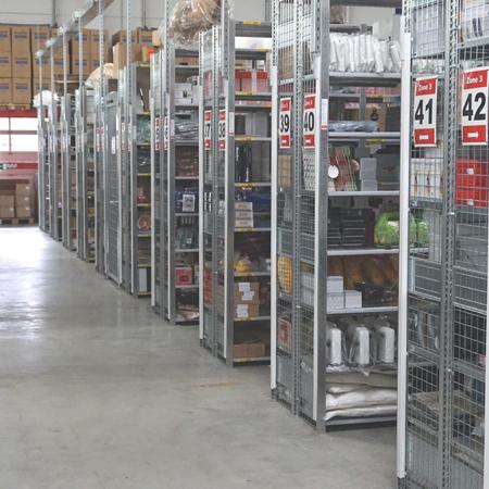 Lagerregale in der Lagerhallte von VDS